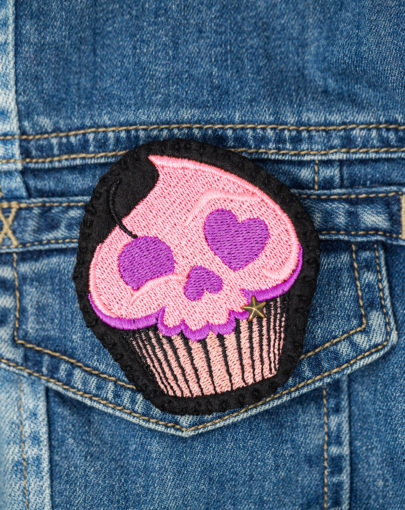 Broche brodée cupcake faite main
